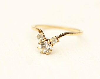 Crystal Cluster Ring, Gold Crystal Ring, Crystal Ring, Crystal Midi Ring, Delicate Crystal Ring, Crystal Band Ring, Stone Ring, Size 5