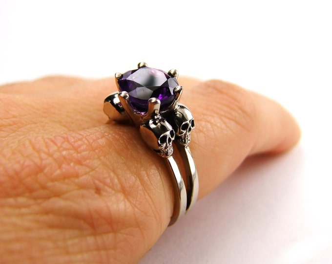 Double Skull Engagement Band Made of White Gold with Natural Amethyst - All Sizes