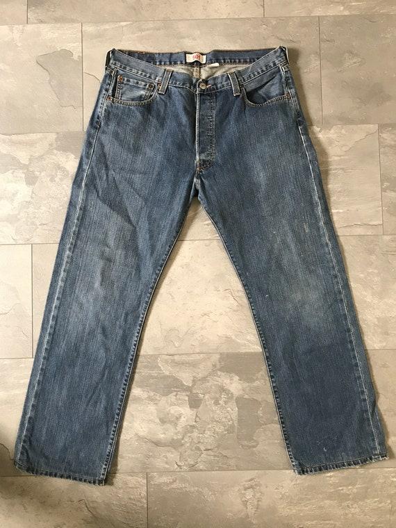 Vintage Levis 501 jeans   high waist jeans   straight leg jeans   Mom jeans   Eighties jeans   Vintage blue jeans