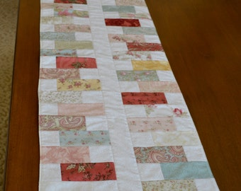 Cottage/Shabby Chic Table Runner Paris Flea Market Moda Fabric