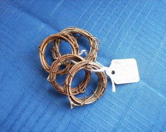 Grapevine NAPKIN RINGS~Hand made set of 4