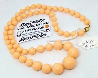 61cm Vintage 1980s necklace, salmon pink necklace, graduated bead necklace, vintage necklace, 1980s pink necklace, pink vintage beads