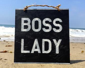 Panneau en bois patron Lady / Bureau Decor / cadeaux pour lui / cadeaux pour maman / inspiration signe paroles / Funky Wall Decor - noir & blanc