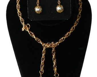 Vintage 1970s Lariat Pendant Necklace and Drop Earring Set Mint In Box