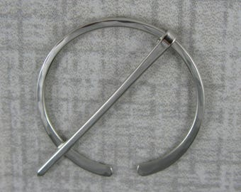 Elegant German Silver Small Shawl Pin - Penannular Brooch - Item 1062