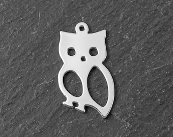 Sterling Silver Owl Pendant 18mm