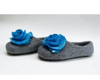Summer Sale Handmade wool felted slippers with rubber soles- house shoes-roses-blue-blue roses