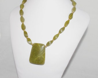 Serpentine Necklace in Olive Green and Gold