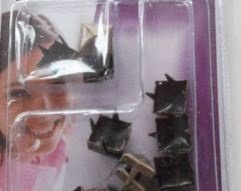 15 nails has claws - square 8mm - color copper ref. 721223