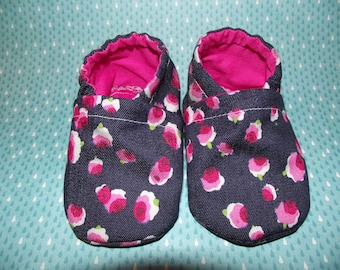 Dark blue jean baby booties shoes with pink flowers -  Size US 2 for 3-6 Months