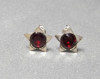 6mm Natural Garnet Gemstones set in Sterling Silver Star Flower Post Earrings