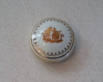 Meissner Limoges, trinket pot, with gilded decoration and,  Gilded decorated lid