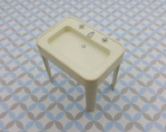 Superior T Cohn  Bathroom sink  White Doll House Toy  Hard Plastic   large scale