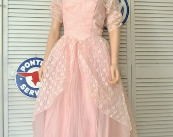 Vintage Womens Teens 50s Pink Formal Prom Dress Layered Skirt Lace Net Taffeta Dress with Hat & Shrug Juniors Bridal Pageant XXS Girls