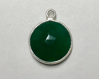 Green Onyx Faceted Round Drop Pendant with Silver Plated Bezel 17mm x 13mm with Top Loop One pendant P102