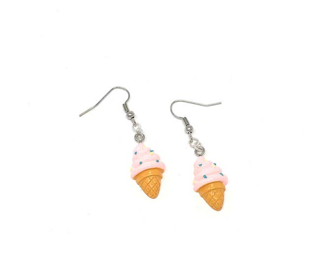SWEET TREAT: strawberry ice cream kawaii earrings
