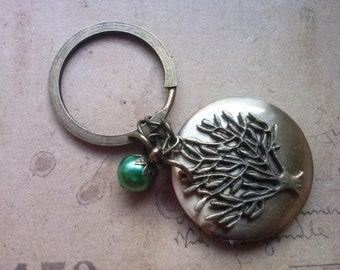 Medallion Keychain ~ trees ~