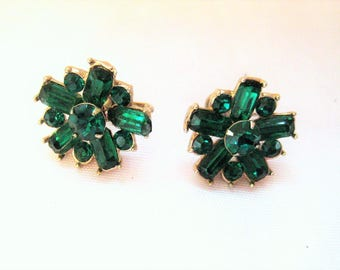 Green rhinestone screw back earrings, floral design, green gold earrings, mid century, 50s 60s, costume jewelry