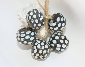 African handicraft, Kroboperle, Tradebead, XL beads, 21 x 18