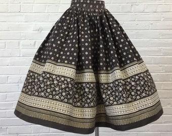 "1950s Novelty Floral Border Princess  Full Skirt (as is), 24"" waist"