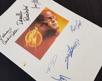 The Flash TV Script with Signatures / Autographs Reprint Superhero DC Grant Gustin Unique Gift Christmas Xmas Present Film Movie Fan Geek
