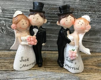 2 Wedding Cake Toppers Bride and Groom Figurines