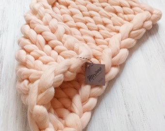 Baby Chunky Knit blanket Extra soft unspun 100% Merino Wool Blanket Newborn, Knitted blanket, BABY Photography Photo PROP, Peach