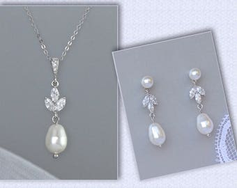 Pearl Bridal Jewelry set, Wedding Jewelry Set, Pearl Earrings and Necklace set, CLIP ON Earring option, HAYLEY