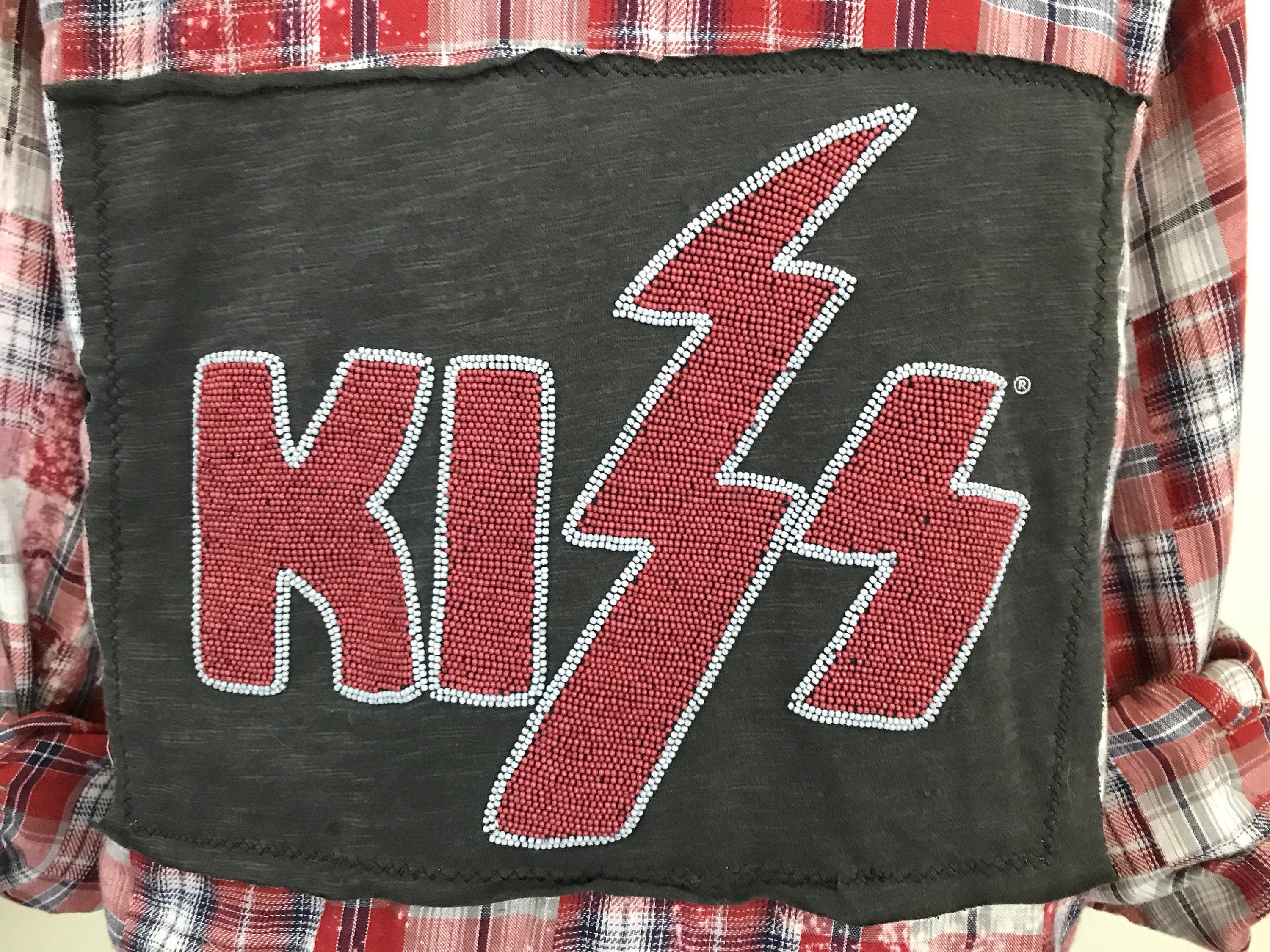 5095f6f4f65 Kiss band vintage tee patch Beaded patch Mens Small shirt