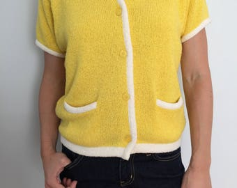 Yellow Short Sleeve Button Down Sweater / Short Sleeve Pocket Cardigan / Express Tricot Size Medium / Vintage 80s / Bright Yellow