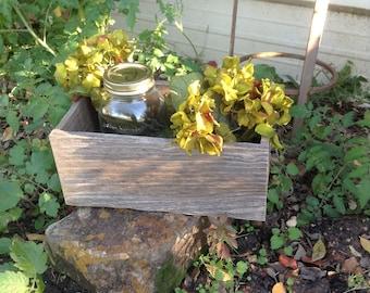 Barn Wood Rustic Box / Rustic Box / Rustic Mason Jar Box / Rustic Floral Planter / Rustic Country Wedding Decoration / Rustic Planter Box