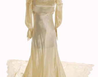Original 1940s Wedding Gown Cream Silk Satin Gown, Lace Yoke and Collar Size 4 - Item # 420 Wedding Apparel