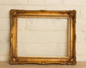 Antique Picture frame, ornate, gilded,, gallery wall, framing, picture, wall art, pin board, prop, blackboard, picture, framing, wedding