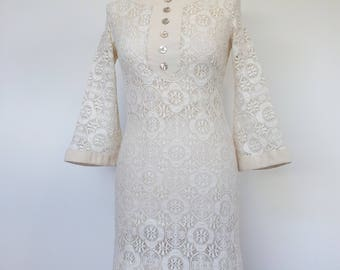 60s Mod Wedding Dress Cream Lace with Bell Sleeves UK 8 / 10 S US 6 / 8 1/2 price due to damage