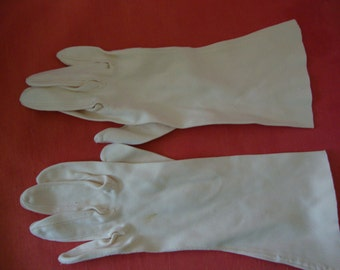 Sixties Vintage White Gloves