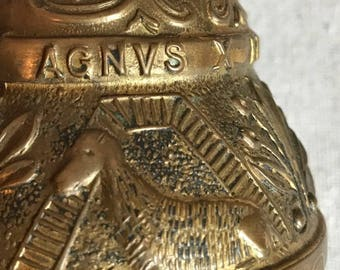 Brass Bell Made in England, Pelicanvs, EO, AQVILA, AGNVS