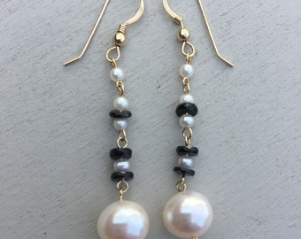 Black and White Cultured Pearl and Onxy Earring