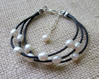 Leather Pearl Bracelet Freshwater Pearl Black Leather 3 Strand Adjustable Bracelet Womens Casual Jewelry Gift