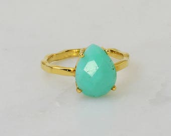 Chrysoprase ring, Sea green ring, Mint green, Aqua teal color jewelry, Natural Gemstone, Prong setting, Delicate Dainty, hammered band ring