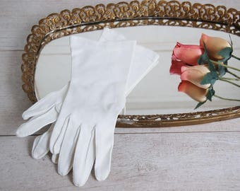 Vintage White Elegant Summer Church Gloves