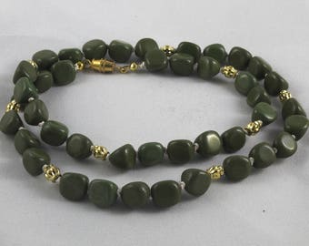 Forest Green Serpentine Necklace