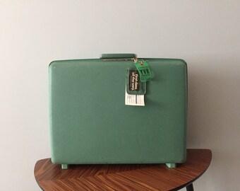 Vintage Mint Green Samsonite Saturn 3 Suitcase - Vintage Luggage  - Vintage Suitcase