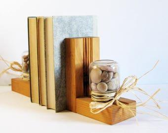 Vintage Wood Bookends with Beach Stones & Raffia Bows - Beach Cottage Decor - Rustic Home Decor - Book Shelf Decor - Bookshelf Organizers