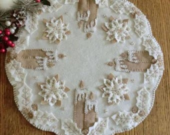 Primitive Wool Applique PATTERN - White Christmas - CP156