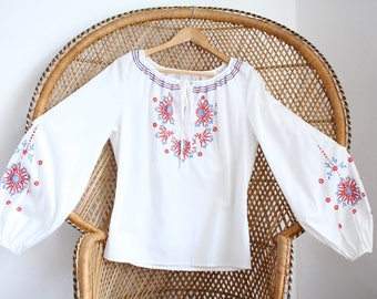 Vintage white embroidered cotton mix floral 70s boho top penny lane lace blouse M