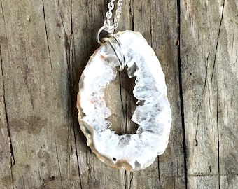Raw Gem Silver Wire Wrapped Chain Geode Slice Long Chain Statement Necklace Layering Jewelry Boho Style Accessories Festival Healing stone