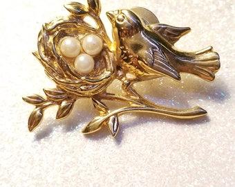 Vintage Bird with Nest Goldtone Pin