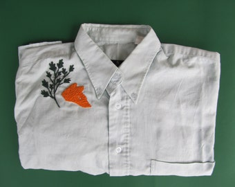 Hand - Fox and leaves embroidered shirt
