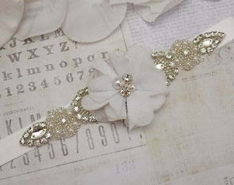 flower girl belt, white flower belt, bridesmaid belt, wedding belt, wedding flower belt, crystal rhinestone belt, dress belt