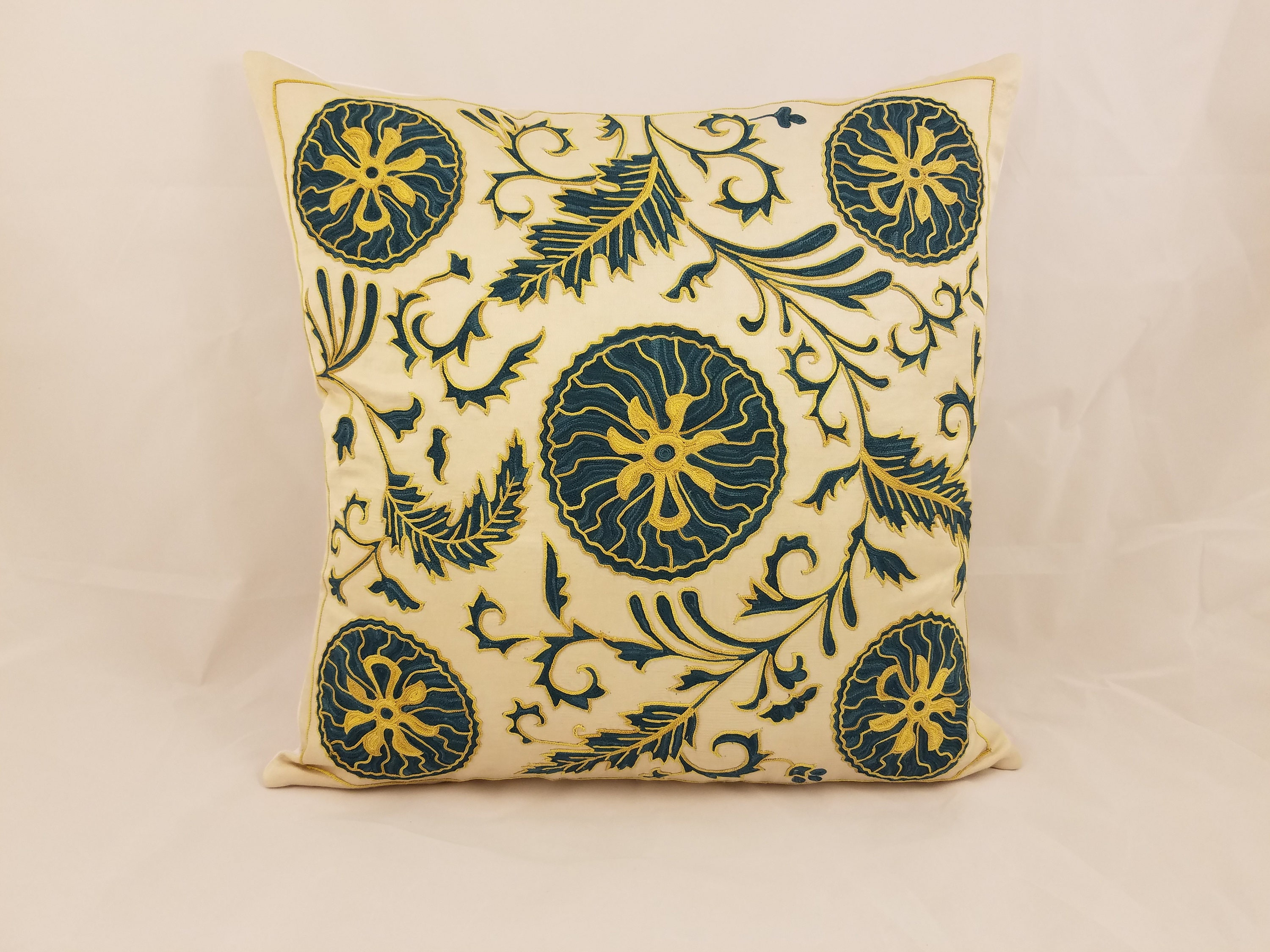 pillow the of rule pinterest design perfect choose to dyner mix pillows how match throw combine lorri and decor